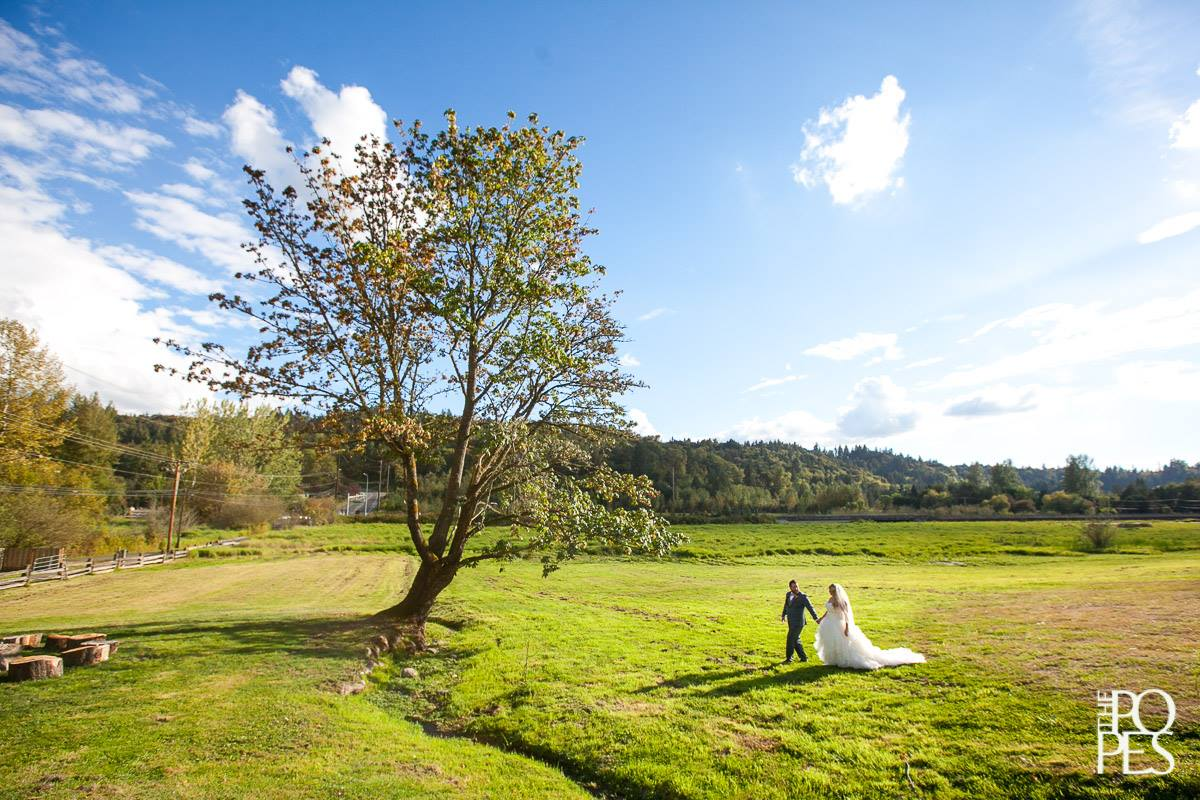 Outdoor Scenic Wedding Shoot
